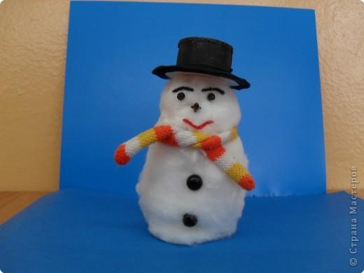 Весёлый снеговичок