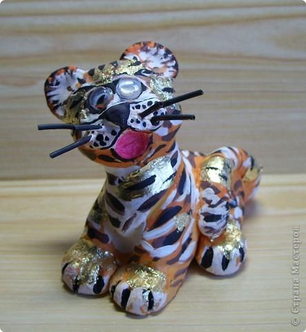 В год благородного Тигра − везенья, Счастья, блестящих побед, красоты!