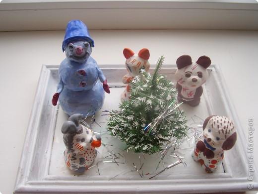 Тема конкурса: Весёлый снеговичок и его друзья «Снеговичок и его друзья из Дымково»