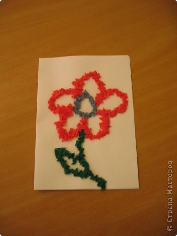 Моё знакомство с сайтом Страна Мастеров началось чуть больше года назад с посещения галереи работ Ольги Кирьяновой.Меня всегда привлекала техника торцевание,а вдохновила на работу  Весёлая мозаика Ольги в этой технике. Первый мой цветок,теперь он  кажется несколько примитивным.С него -то всё и началось. фото 1