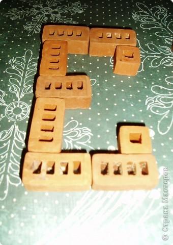 Тема 2. Свободный полёт. Твоя монограмма Каждый мальчик - КОНСТРУКТОР!!! Моя монограмма и имя состоят из деталей металлического конструктора, которым я пользуюсь на уроке труда. Моё имя. фото 10