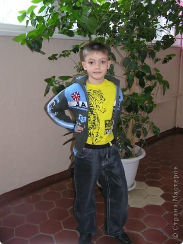 Привет, это я. Меня зовут Эдик.Я из г.Омска, учусь в 1 классе. фото 1