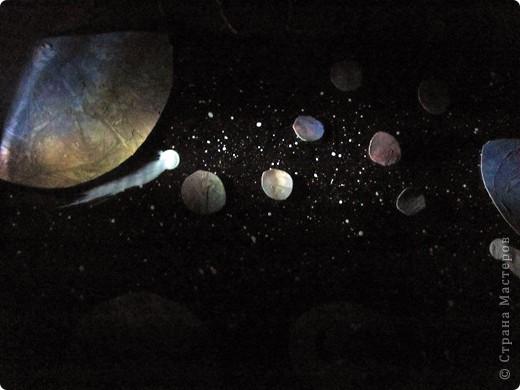 Вот и моя звезда! Я её сложила из модулей: 4 крыльев, 4 стрел и 4 ракет. Сини модули - стрела, розовые модули - крылья, а жёлтые модули - ракета. Мою звезду зовут Блеск, потому что она блестит! И вот моя звезда полетела в открытый космос!!! фото 14