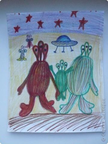 """Звезды я сложила из модулей """"Шаттл""""и """"Комета"""" и придумала им красивые названия.Звезду с большой красной бусиной посередине я назвала """"Киккула"""", а другую """" Сицыриум"""" фото 7"""