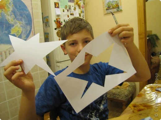 Звезда получилась из 4 модулей Крылья и 4 модулей Шатл.Я назову ее Звезда Мира.И ,хотя мне интересно оружие,я против войны,против голода,насилия и бед,которые неизбежны при любой войне фото 9