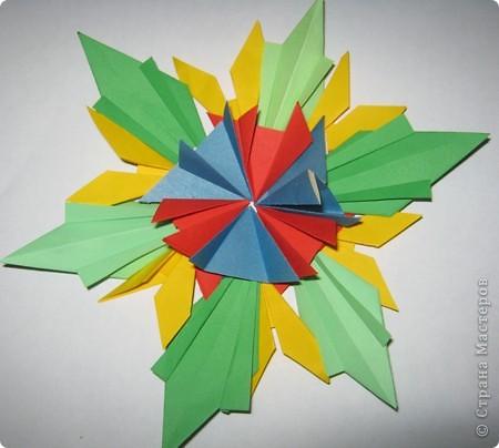 """Тема 1. Тренировочный полет. Моя звезда. Для ее создания я использовала 6 модулей """"Шаттл"""", 6 модулей """"Ракета"""", 6 модулей """"Крылья"""". фото 2"""