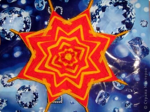 """Все снежинки похожи на маленькие звездочки, а  звезды Алины получились все похожи на снежинки. Алинке так понравилось придумывать звездочки, что получился целый звездный парад.  Первая звезда-снежинка сделана из 6 модулей """"крыло"""", 6 модулей """"комета"""" и 12 модулей """"ракета"""".  фото 20"""