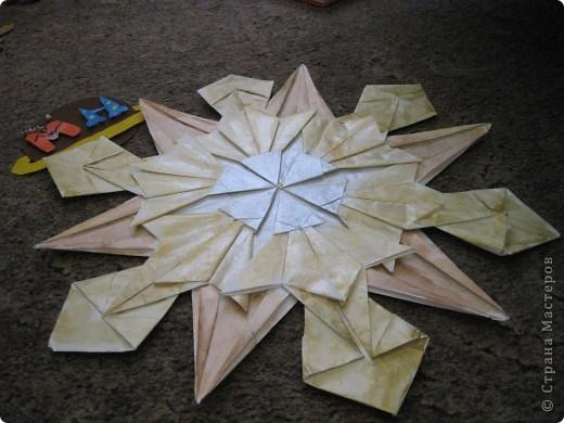 """Тема 1. Тренировочный полёт.  Я сделал все модули, которые нам показали, а потом придумал из них две звезды. Это первая моя звезда - Полярная. Она указывает путешественникам путь, помогает им не заблудиться. Тут использованы 4 модуля """"Крылья"""", 4 - """"Стрела"""" и  4 - """"Звездолёт"""". фото 2"""