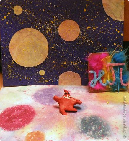"""Тема 1. Тренировочный полёт. Моя звезда. """"Путеводная"""" звезда. Я сделала свою звезду из 5 различных модулей - крылья (4 шт.), шаттл (2 шт.), комета (2 шт.), стрела (2 шт.) и ракета (4 шт.). В центр приклеила большую бусину. Я хочу, что бы моя звезда сияла в небе и освещала людям путь к радости и счастью. Поэтому я назвала свою звезду Путеводной. фото 5"""