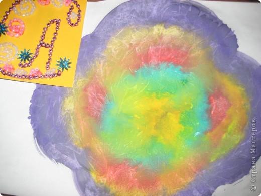 Тема 1. Тренировочный полёт.  Моя звезда состоит из 8 модулей «комета» в центре - 2 кометы красного цвета, 2 кометы оранжевого и 4 кометы серебристого цвета. Вокруг них – 8 модулей «ракета» - 2 зелёного и 6 синего цвета.    Моя звезда - волшебная. Я хочу подарить её своей младшей сестричке Иришке, чтобы она исполняла свои маленькие детские желания.   фото 5