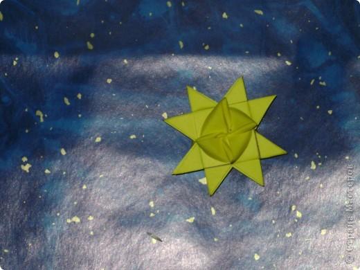 Новый год я встретила в Сладкой галактике.Все планеты в ней из конфет и чем больше детей на Земле съедят конфет, тем больше новых планет в этой галактике появляется. фото 25