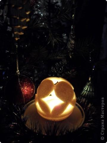 """Так как на Новый год дарят много подарков и большинство из них """"сладкие"""", а конфеты завёрнуты в великолепные, яркие обёртки, то я решила свои звёздочки сделать из фантиков. Вот, что у меня получилось. Звезда """"Ласточка"""" состоит из 4 модулей """"Крылья"""" и 8 модулей """"Ракета"""". Посмотрите какая она красивая! фото 14"""