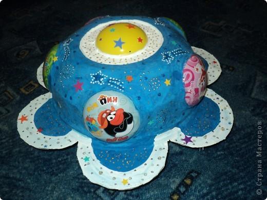 """Тема 1. Космические корабли. Вот мой корабль с планеты """"Смешариков"""". В виде главной эмблемы мультфильма, синего цветочка. фото 4"""