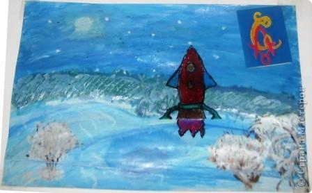 Это мой космодром. Первая ракета выполнена в технике квиллинг по МК Елен_@. Летающая тарелка - гофротрубочки. Инопланетянин из пластилина. фото 7