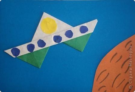 """""""Многоцветик"""" Эту ракету прозвали так, потому что на ней много разных цветов. Её заправляют любыми предметами, главное что бы они были разных цветов. Один предмет равен одному километру. фото 3"""