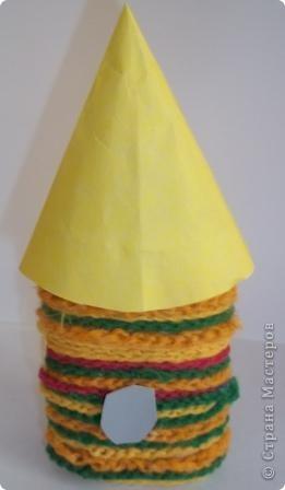 """""""Многоцветик"""" Эту ракету прозвали так, потому что на ней много разных цветов. Её заправляют любыми предметами, главное что бы они были разных цветов. Один предмет равен одному километру. фото 5"""