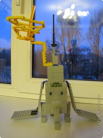 """Это мой космический корабль.Я его собрал из конструктора """"Лего"""". фото 2"""