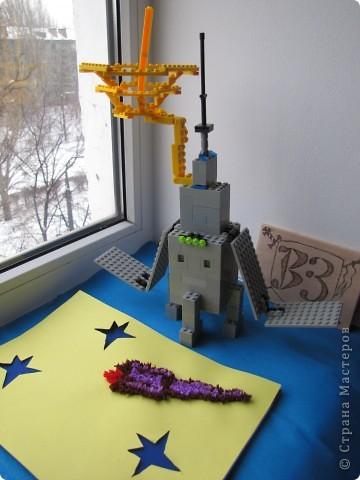 """Это мой космический корабль.Я его собрал из конструктора """"Лего"""". фото 6"""