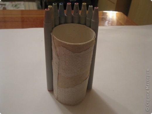 Для своего корабля я приготовила фломастеры и цилиндр от туалетной бумаги. фото 2