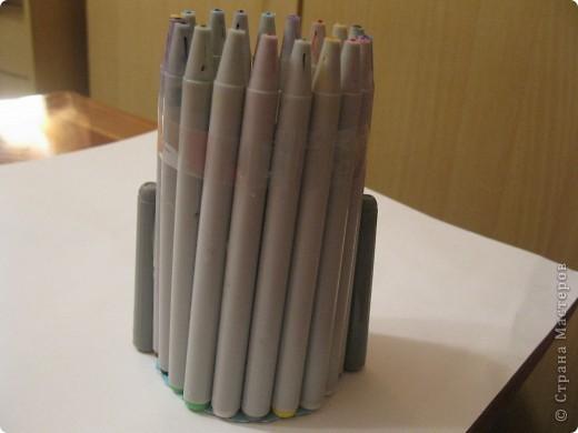 Для своего корабля я приготовила фломастеры и цилиндр от туалетной бумаги. фото 4
