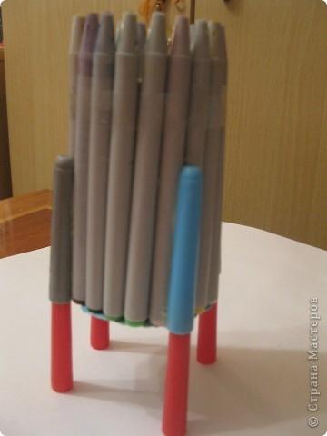 Для своего корабля я приготовила фломастеры и цилиндр от туалетной бумаги. фото 5