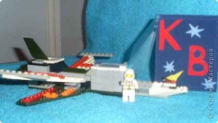 """Звезда """"Астра"""". Понадобилось 9 модулей """"крылья"""" и 16 модулей """"шаттл"""". Космический шаттл собрал из деталей конструктора """"лего"""". Очень люблю работать с конструктором. фото 5"""