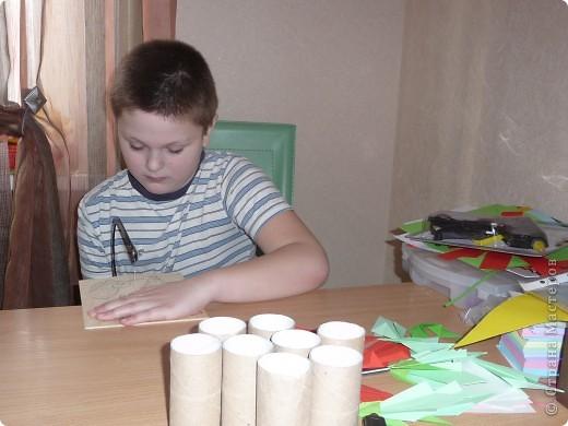 Вот моя звёздная карточка - Николай (Коля) Еремеев.  Мои родители очень мечтали о ребёнке. Мама молилась Николаю Чудотворцу, в честь него меня и назвали. В детстве меня звали Колюшка, Коленька, Николаша, в школе - Николай, а друзья зовут - Колян.                                                                                                                                                                                                                                                                            фото 2