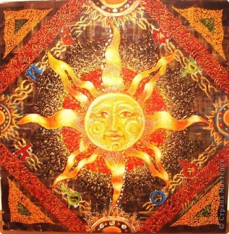 Давным, давно в Древней Русси солнце это был бог, а называли его Ярило. Вот так изображали солнце на Русси в виде скачущего могучего богатыря. фото 4