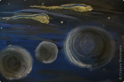 РИСУНОК. ПЛАНЕТЫ. Планеты Меркурий, Венера, Земля и Марс объединены в одну группу планет земного типа. По своим характеристикам они значительно отличаются от Юпитера, Сатурна, Урана и Нептуна, которые образуют группу планет-гигантов. источник информации:http://www.orion-shop.ru фото 1