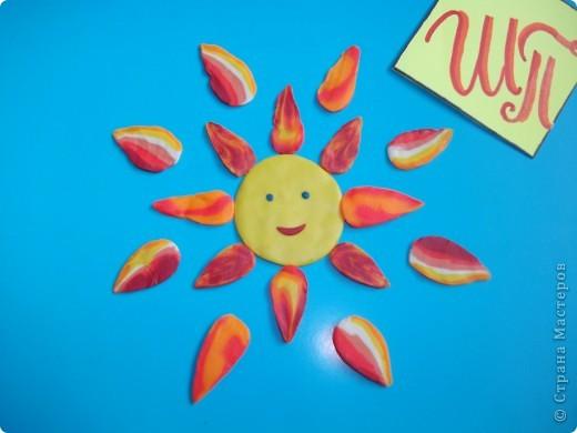 Всем снова привет! Это мое солнышко. Я его сделала из соленого теста и раскрасила гуашью. фото 4