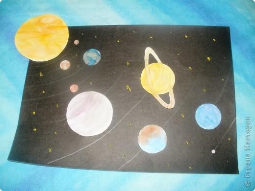 Здравствуйте, я буду добавлять и рассказывать. Я, очень люблю наше солнышко. Солнце - это звезда, гиганский шар из раскаленных газов, в центре которого при температуре около 15000000 С протекают ядерные реакции с выделение огромного количества энергии. фото 15