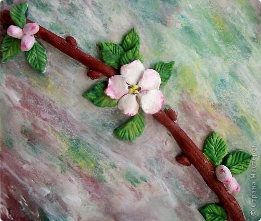 Вот такая веточка вишни с первым цветком у меня получилась:  фото 2