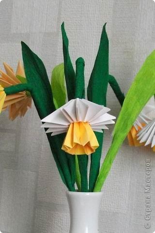 Целый букет сделан в технике модульного оригами. фото 4