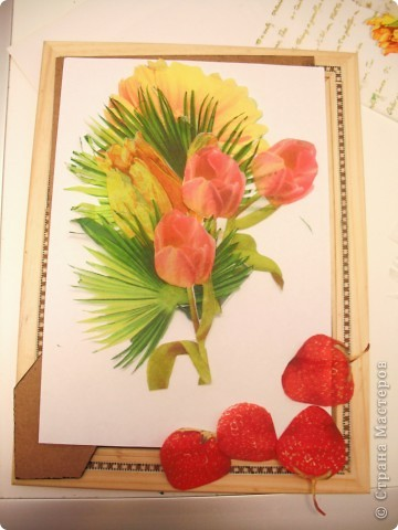 Ничто так не радует наших мам, бабушек, теть на даче, как этот весенний букет садовых цветов на кухонном столе! А какой цвет, какой аромат!  Эта работа выполнена в технике декупажа с элементами объемного моделирования. Надеемся, что на этой фотографии видно, что ваза объемная. фото 6