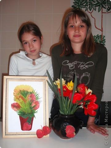 Ничто так не радует наших мам, бабушек, теть на даче, как этот весенний букет садовых цветов на кухонном столе! А какой цвет, какой аромат!  Эта работа выполнена в технике декупажа с элементами объемного моделирования. Надеемся, что на этой фотографии видно, что ваза объемная. фото 7
