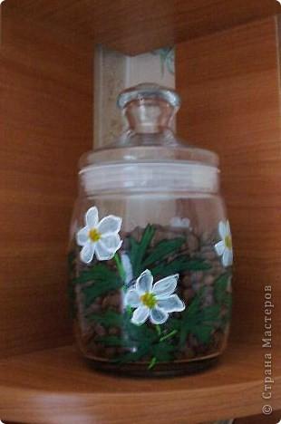 Весна вдохновила меня расписать подснежниками-ветреницами стеклянную банку. фото 2