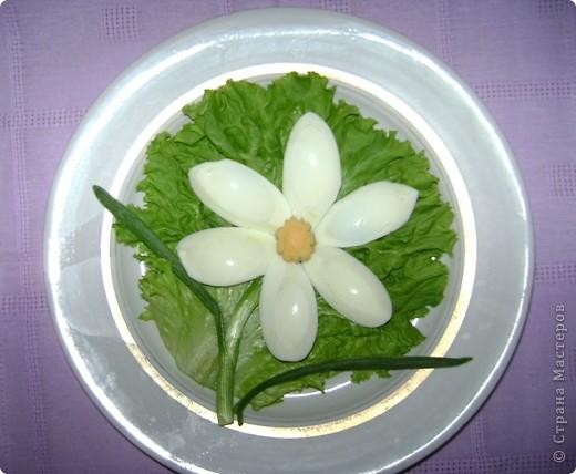 Быстро отцвели эти чудесные весенние цветы. А я могу любоваться нарциссом в любое время года, видя его на обеденном столе. фото 1