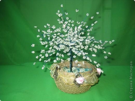 Яблоня из бисера в цвету. фото 1