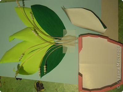 Ландышы белоснежные в вазе на салфетке. Лиза 6 лет и Ариша 2 года делали с помошью мамы. Вот что у нас получилось: фото 3