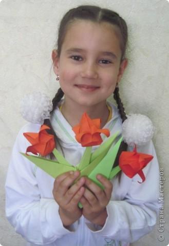 Алые тюльпаны - вестники весны. Оригами-тюльпаны на грядке. фото 4