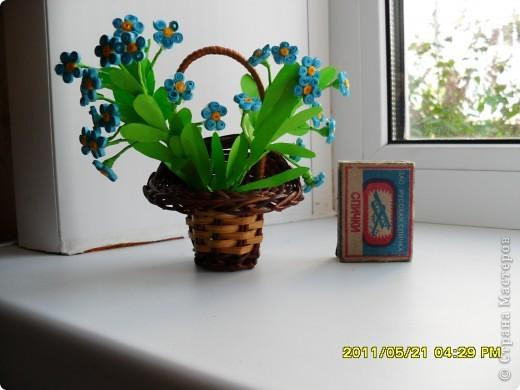 Долго ждала, когда же распустятся мои самые любимые весенние цветочки- незабудки. Дождалась! Успела сделать и даже в последний день дополнила букетик еще двумя веточками. фото 1