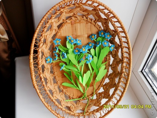 Долго ждала, когда же распустятся мои самые любимые весенние цветочки- незабудки. Дождалась! Успела сделать и даже в последний день дополнила букетик еще двумя веточками. фото 4