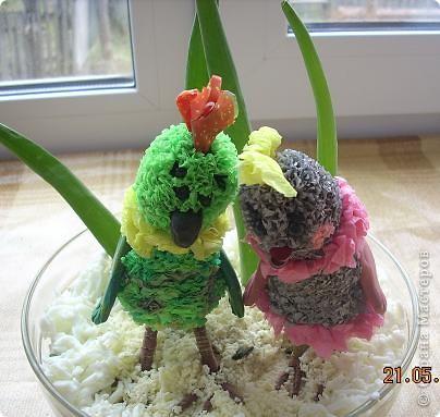 Девчонки и мальчишки! А так же их родители! Весеннего салатика отведать, не хотите ли? Давно мы с попугаями не угощали вас… Салат «Весна на Севере» покажем мы сейчас! Ну, а дальше в прозе…  фото 1