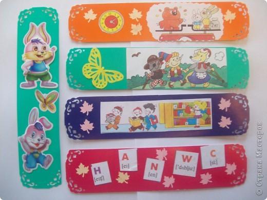 Вот такие закладочки Машенька сделала для старших брата и сестры. Они ученики 3 класса. Закладочки для разных учебников. фото 1