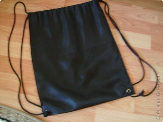 Это рюкзак для спортивной формы. В этом году я стал посещать спортивную секцию. фото 2