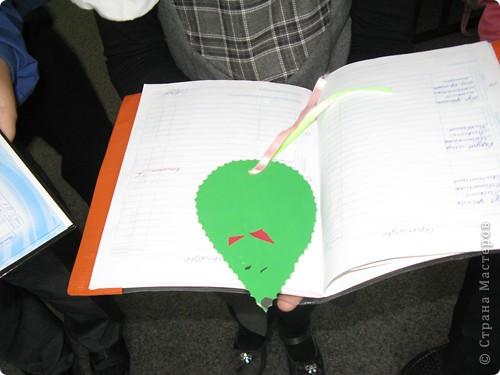 На занятиях сделали вот такую симпатичную мышку - закладку. фото 1