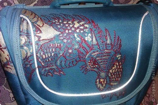 Моему Тимошке подарили синенький ранец. Удобный, но скучный. фото 3