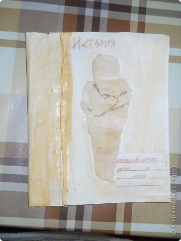 """Вот она - мумия. Сделана из окрашенной марли. Старинная веревка - из переплетённых нитей """"Ирис"""" Лёгким движением руки мумия превращается... превращается мумия... фото 1"""