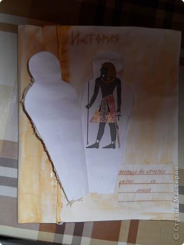 """Вот она - мумия. Сделана из окрашенной марли. Старинная веревка - из переплетённых нитей """"Ирис"""" Лёгким движением руки мумия превращается... превращается мумия... фото 2"""