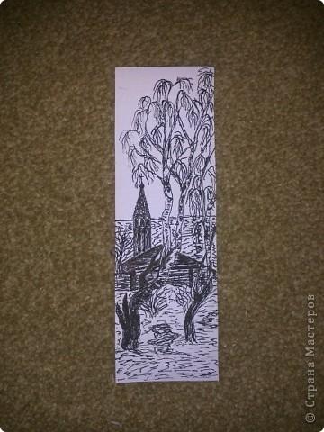 Вот такая закладка у меня получилась (срисовывала с картины Саврасова Грачи прилетели). Сверху проклеила скотчем, чтобы не пачкалась.